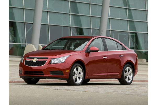 2013 Chevrolet Cruze - Price, Photos, Reviews & Features