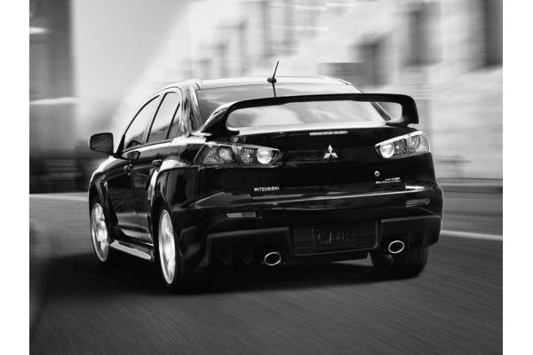 2015 Mitsubishi Lancer Evolution - Price, Photos, Reviews & Features