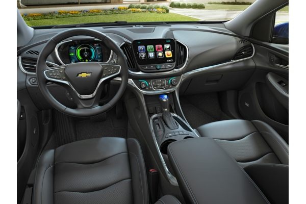 2018 chevrolet volt interior. beautiful volt new 2018 chevrolet volt  price photos reviews safety ratings u0026 features on chevrolet volt interior
