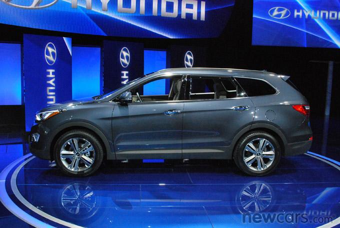 2013 Hyundai Santa Fe Profile