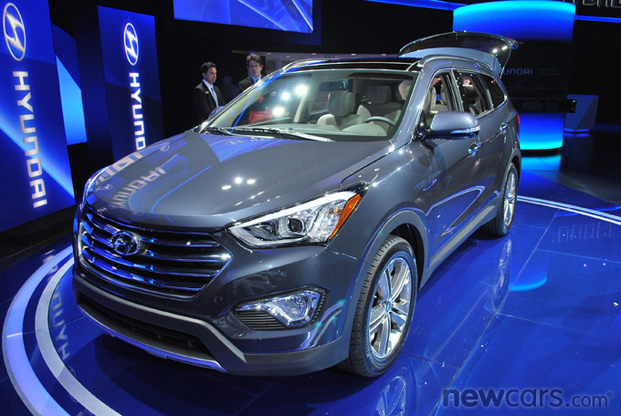 2013 Hyundai Santa Fe Front 3/4